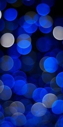 El azul es un color fresco, tranquilizante y se le asocia con la mente, a la parte más intelectual de la mente.