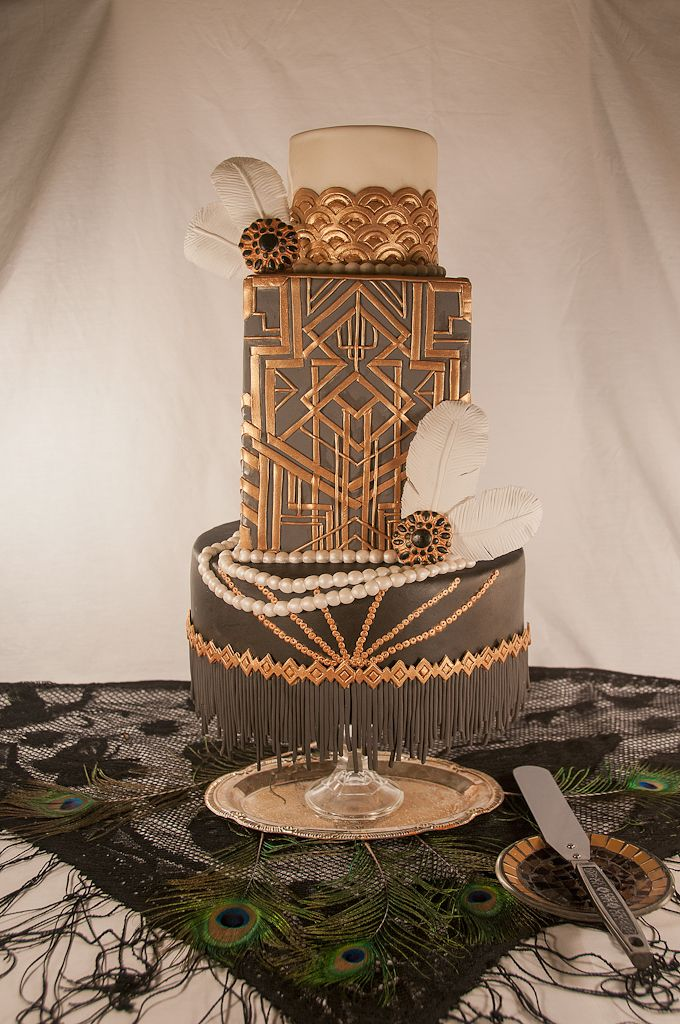 The great gatsby inspired wedding cake  Bruid in Stijl: Bruidsmode 2014 trend: ROARING TWENTIES