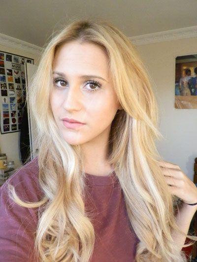 Highlighting hair at home