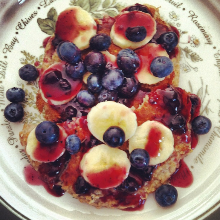 Homemade oatmeal protein pancakes with homemade sugar free blueberry syrup.   1 cup of oats  2 tablespoons of whole wheat flour  2/3rds cup Greek yogurt  1/4 cup of Splenda  1 tsp baking powder  1 tsp vanilla  4 egg whites  1/2 cup of water and 1/2 large mashed ripe banana  Optional- flax seed and wheat germ   Syrup: sugar free blueberry smuckers jam, mixed with Ed's sugar free syrup heated for 20seconds in the microwave.   Topped with bananas and blueberries   Enjoy!Free Blueberries, Free Syrup, Free Recipe, Healthy Eating, Healthy Bites, Diabetes Recipe, Favorite Recipe, Egg Whites, Diet Recipe