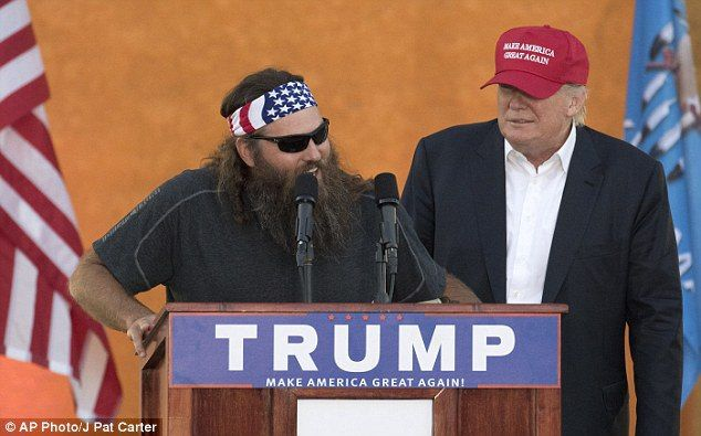 """Powdered Wig Society VIDEO: Duck Dynasty star Willie Robertson backs Donald Trump for his pro-Christian stance and promise to bring back """"Merry Christmas"""" - Powdered Wig Society"""