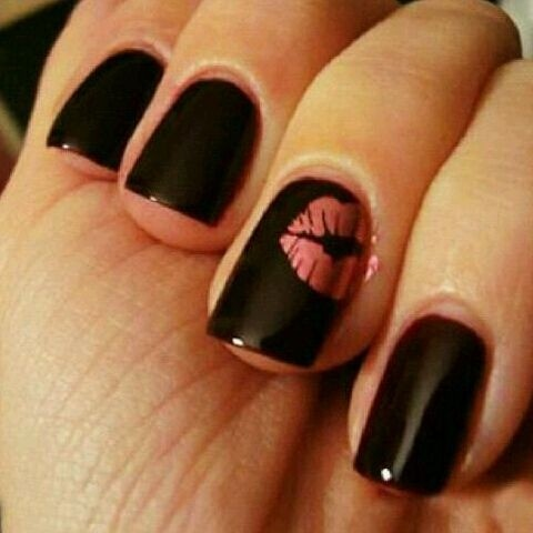 love the kiss on the ring finger! not a fan of the black for a wedding day tho. Bachelorette part nails maybe.