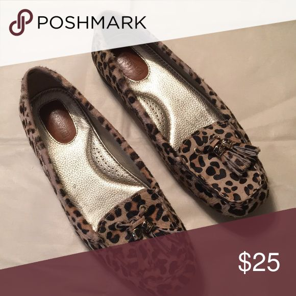Size 6.5 leopard Sperry flats Excellent condition Sperry Shoes Flats & Loafers