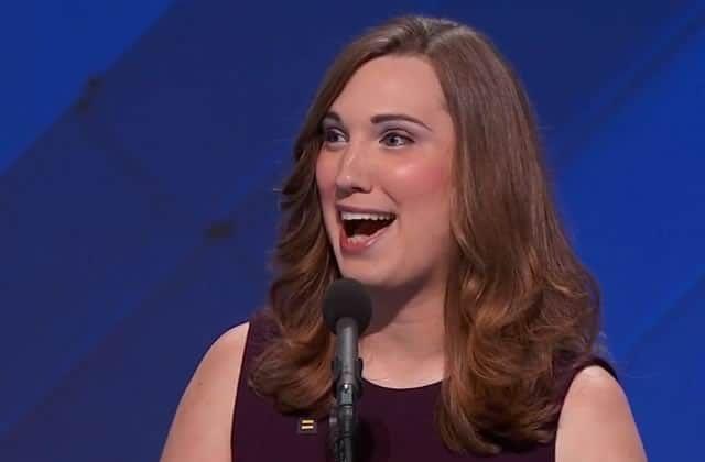 Sarah McBride a fait un discours plein d'espoir lors de la convention démocrate aux États-Unis. C'est la première femme transgenre à prendre la parole dans ce cadre.