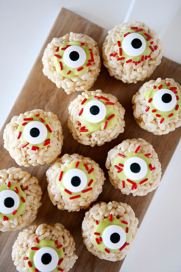 zombie eyeball rice krispies halloween treats sponsored post in partnership with ricekrispies - Diy Halloween Projects