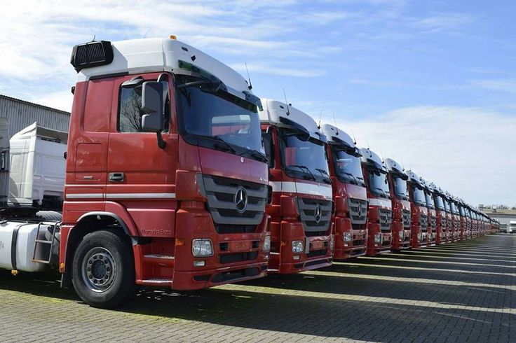 Nicole Steenhuis made this picture when she visited us a few months ago. (These trucks are all sold now)