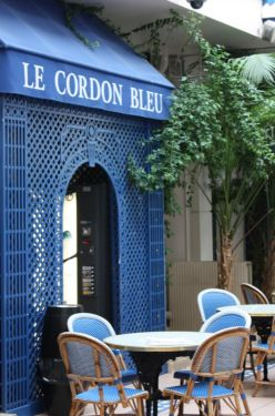 Have to oh and see this place for real! Le Cordon Bleu, 8 Rue Léon Delhomme, Paris