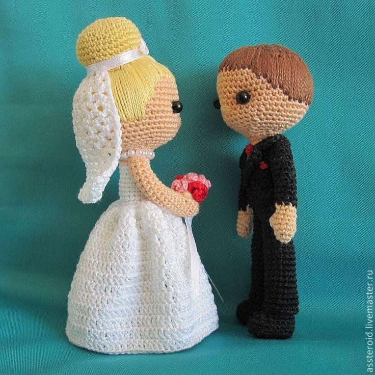 Купить или заказать Вязаная кукла. Жених и невеста в интернет-магазине на Ярмарке Мастеров. Красивая пара станет замечательным подарком в день свадьбы или на годовщину. Или подарком для ребенка. Возможно исполнение в другом цвете, др…