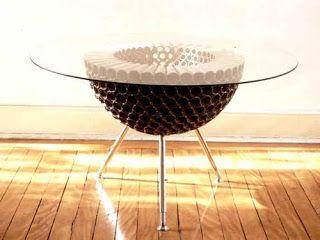 Eco - Nido Campolongo, mesa de tubos de linhas, tampo de vidro e pés reguláveis - Recycle idéias: Maio 2012