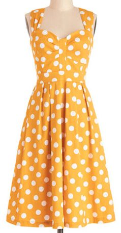 darling polka dot dress  http://rstyle.me/n/iibsmpdpe