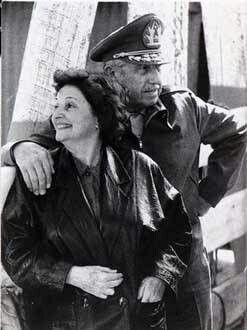 La pareja inseparable El General Pinochet y su Esposa Lucia de Pinochet.