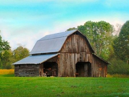 An Old Barn - barns, farm photos, old southern things