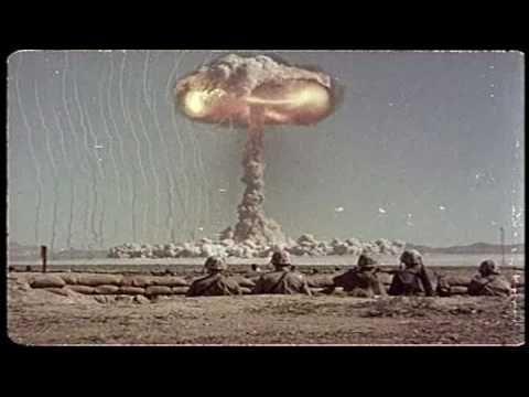 A Bomb Blast, Un essai nucléaire américain le 25 avril 1952.