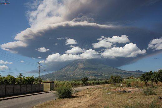 chaparrastique volcano in san miguel  eruption on dec 29, 2013