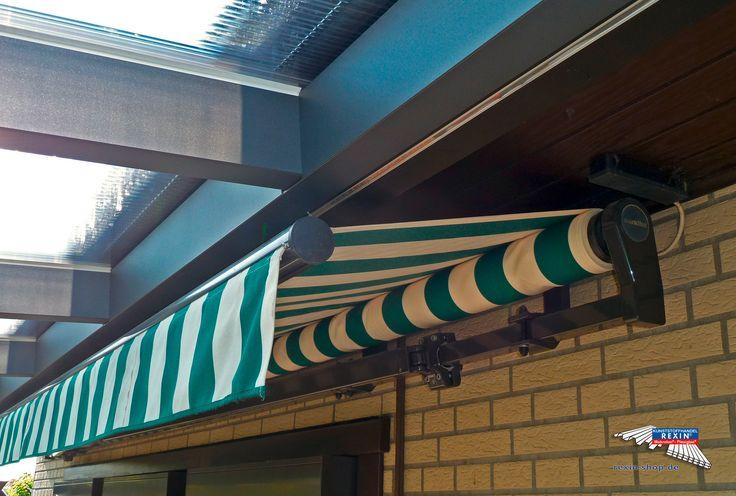 Ein Alu-Terrassendach der Marke REXOpremium mit Stegplatten REXOclear transparent, 6m x 2,5m in anthrazit. Die Montage wurde oberhalb einer bestehenden Markise vorgenommen. Diese erkennt man hier. Die Pfosten wurden individuell eingerückt.  Ort:Wathlingen.  Alu-Terrassendächer REXOpremium mit Stegplatten erhalten Sie hier: https://www.rexin-shop.de/alu-terrassenueberdachungen/rexopremium-mit-stegplatten/  #Terrassendach #Aluterrassendach #REXOpremium #Stegplatten #Rexin