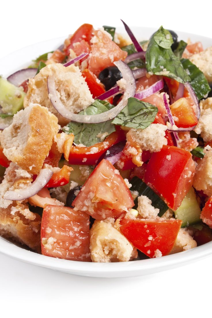 Panzanella bread salad recipe. Great for a summer lunch or dinner dish. #recipe