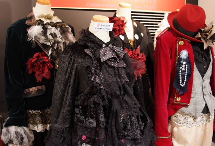 Dolly, Visual Kei Japanese rock band, stage outfits. Gothic Lolita male kodona dandy or Victorian aristocrat costumes, fashion. Marui Young ...