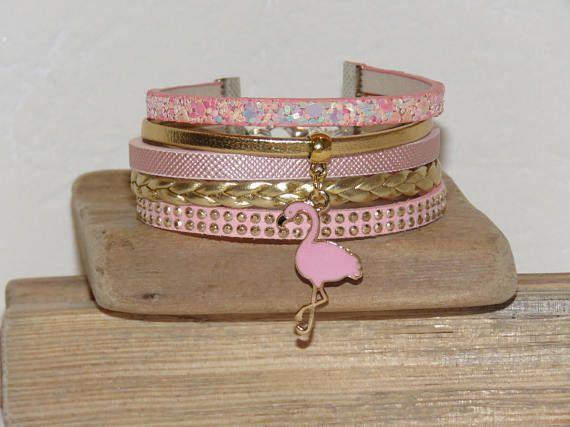 Bracelet Manchette rose pastel doré cuir suédine cloutée