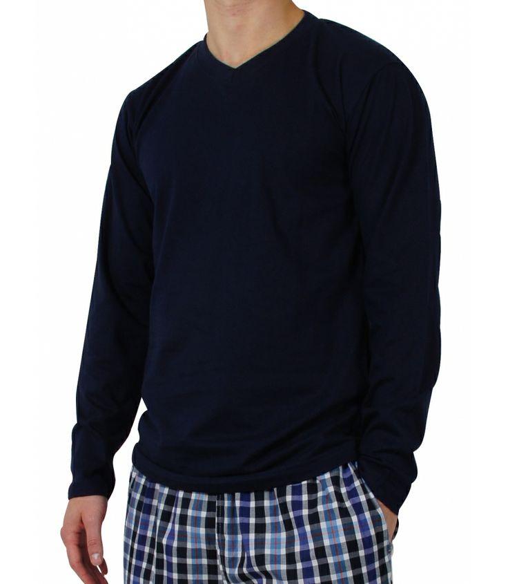 Longsleeve Shirts von MG-1 aus 100% Baumwolle.  Das Shirt aus angenehm weicher Baumwolle mit V-Hals eigent sich perfekt als Pyjama-Oberteil und passt farblich zu fast jeder Pyjamahose.  Für weiter Infos: http://www.boxxers.de/MG-1-Longsleeve-Shirt-V-Neck-navy