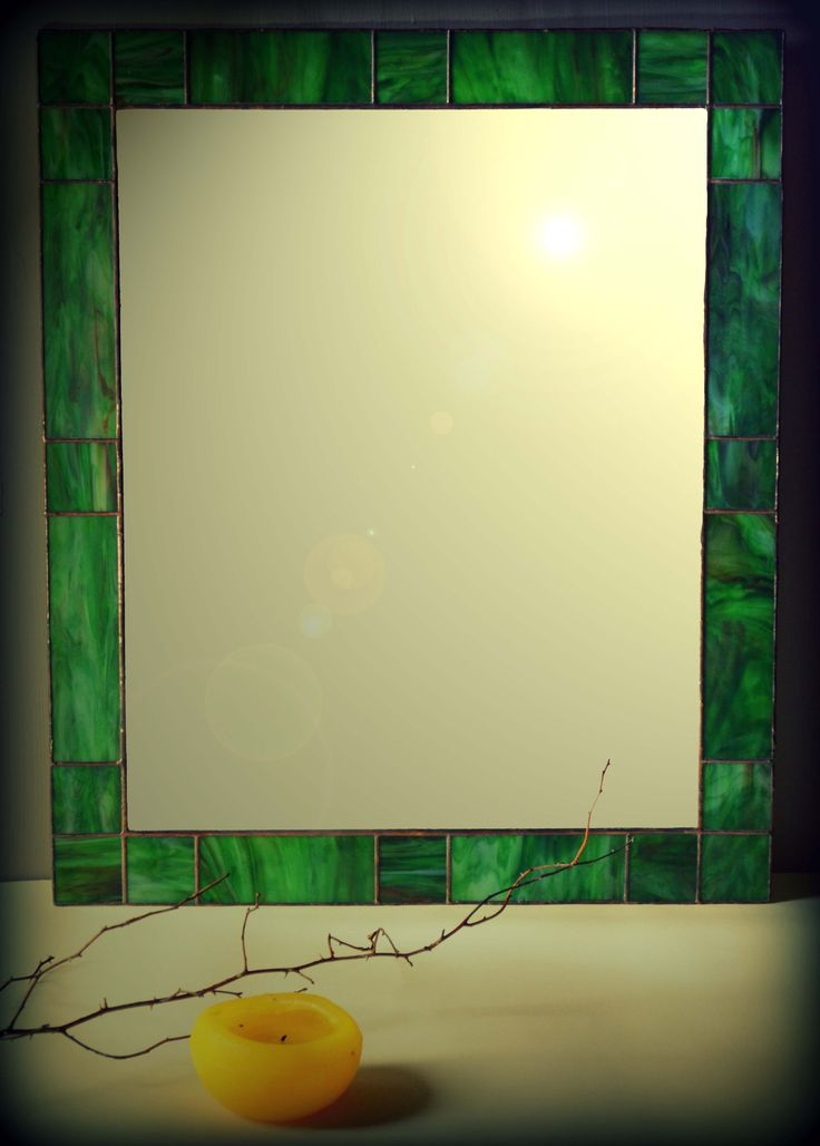 Настенное зеркало ручной работы сделано в витражной технике(Тиффани),с американского стекла.