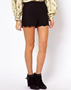 Aumentar Pantalones cortos de lino con bajo festoneado de ASOS