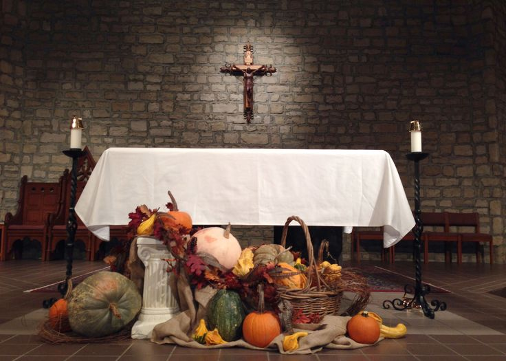 St. Joan of Arc Catholic Church, Powell, OH, Feast of Christ the King and Thanksgiving  decorations