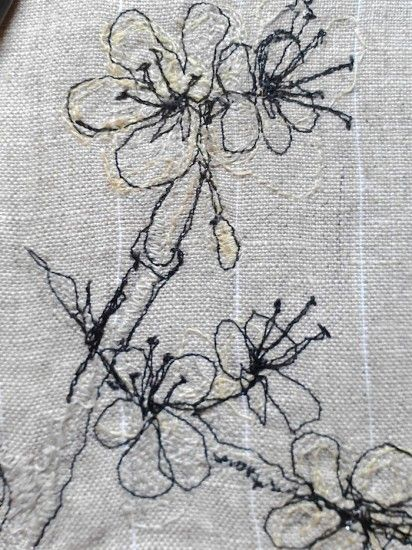'Blackthorn' detail. Machine embroidery on linen, by Stephanie Boon, 2012 « Dawn Chorus Studio. Spring flowers make me smile :) Stephanie Boon, 2012. #machineembroidery