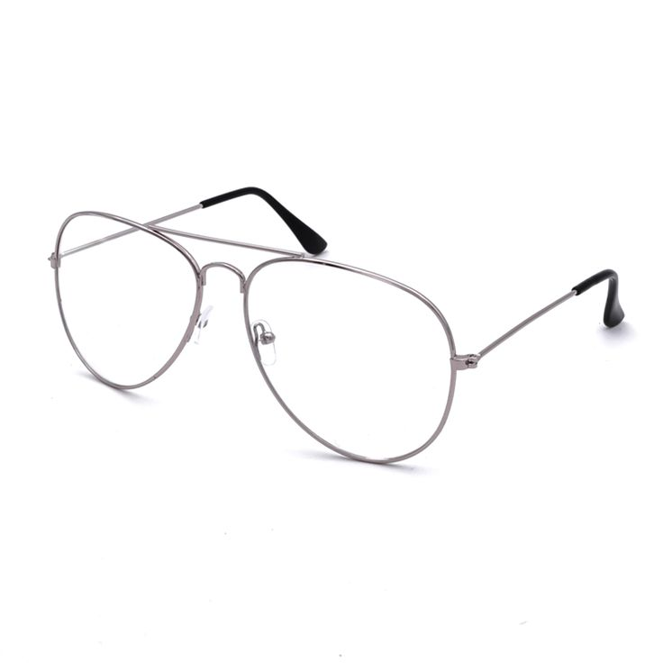 Introduced in 1937, the aviator gets its name from the aid it provided US Air Force Pilots with decreasing glare in flight. It has an iconic design that wil