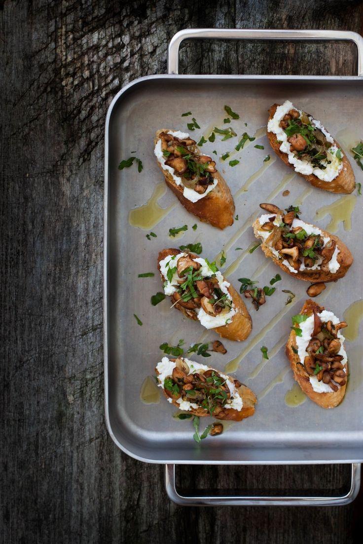 Crostini with Wild Mushrooms & Ricotta | My Blue&White Kitchen