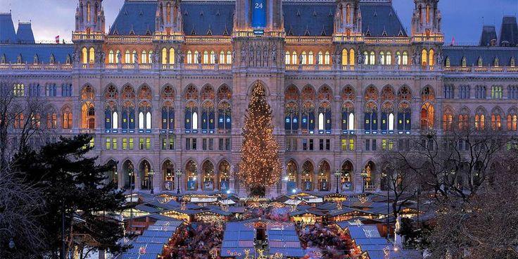 WIEN: Har du først besøkt julemarkedene i Wien, kommer du alltid til å lengte tilbake.