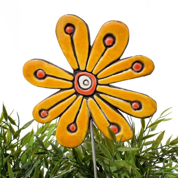 Ceramic flower garden art. Yellow garden decor. www.gvega.com.