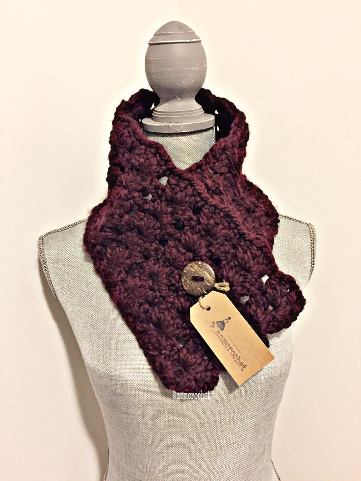 day five.. short buttoned cowl in merlot! details on etsy, shop link in bio!
