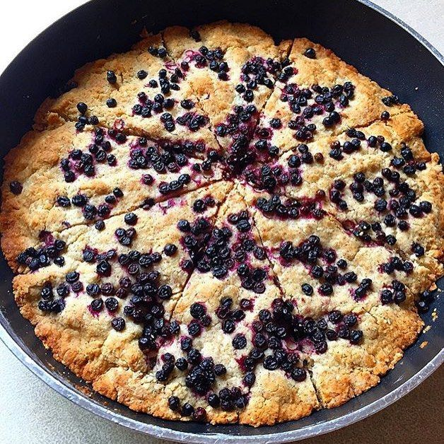 @Kim_hud reinvented our Giant Choc-chip Skillet Cookie (from our #IQSOnePot cookbook) and used elderberry. So... good... Save us a piece, Kim!
