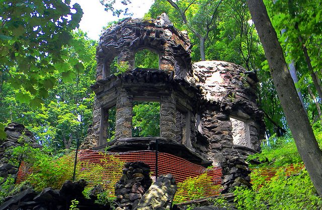 Erwin Castle Ruins, Jim Thorpe PA by TragediAnne, via Flickr
