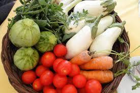 Kardamides, white eggplant, #Santorini tomatoes and zucchini! Photo credits: hellenicnews