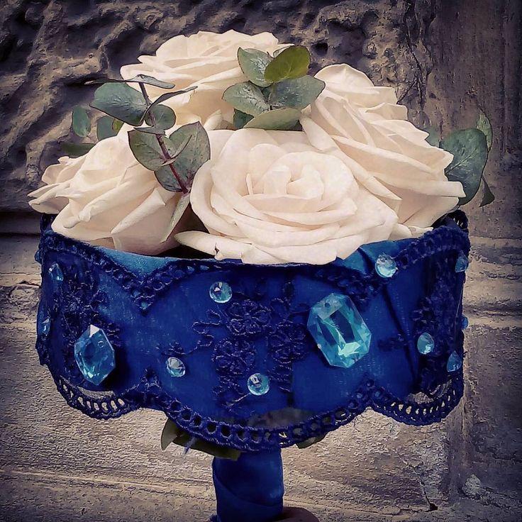 """1 aprecieri, 1 comentarii - Floraria Dorothy's (@florariadorothys) pe Instagram: """"For a little blue dress.. #bridebouquet #cluj #clujlife #clujnapoca #clujcenter #nuntaincluj…"""""""