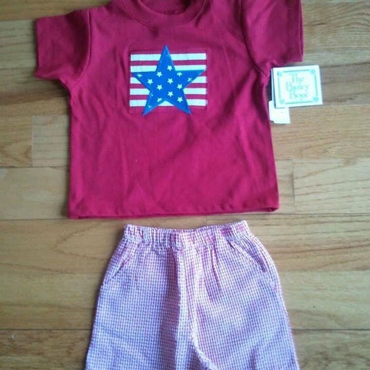 ONLINE AUCTION ALERT! Bailey Boys' short set. Seersucker shorts with pockets compliment the star applique shirt. Original price: $75.40. Opening bid is $32. Shipping & Tax Extra. Bid on sizes 12M, 18M, 24M, 2T, 3T, 4T, & 4. Like and share this post and you will be entered into Bear Cub Gifts' $20 store card giveaway. Thanks for supporting our small business. @swaddletoddle #swaddletoddlebearcubgifts #dahlonega #baileyboys #onlineauction #thisoneisfortheboys