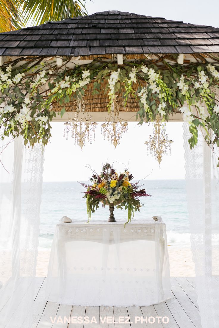 Gorgeous shot of our Villa Montana Beach Resort oceanfront Ceremony !