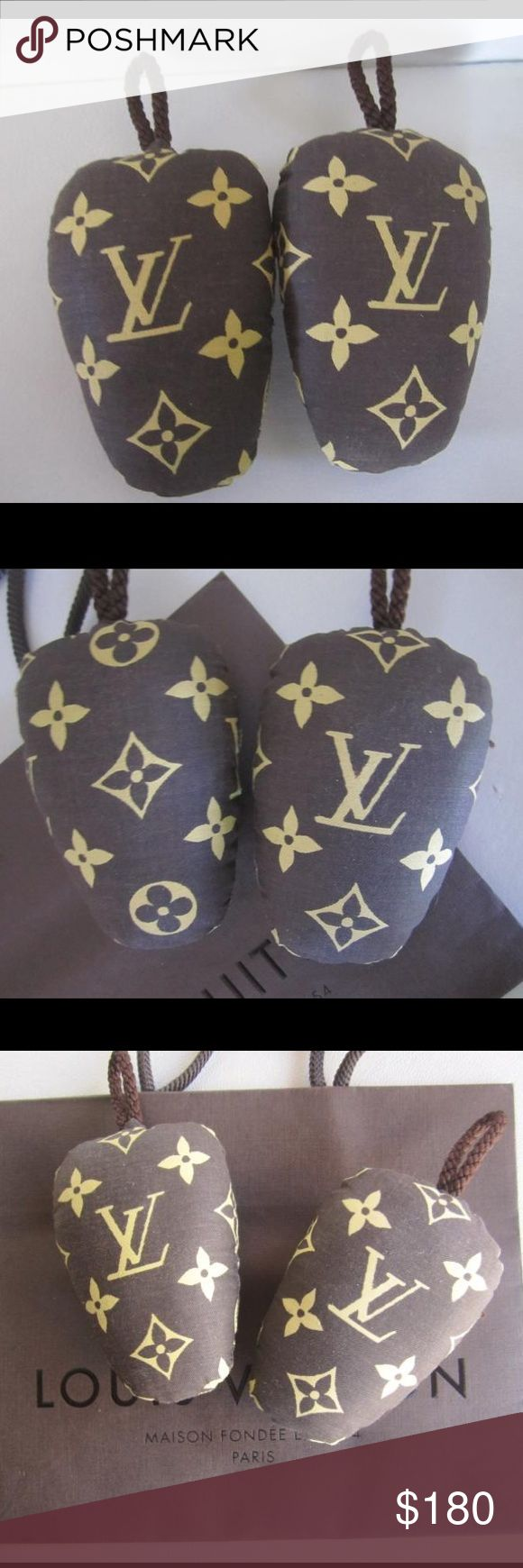 """Auth. Louis Vuitton Shoe Inserts For Ladies Shoes Preowned. Very good condition. Please view all photos carefully, as they are an essential part of the description. Dimensions: 4"""" length, 2.75"""" width, 1"""" depth. For ladies shoes. Louis Vuitton monogram fabric inserts. Very rare and collectible vintage item! Keep your shoes looking great, or just add these to your collection. Makes a great gift for the Louis Vuitton collector. Louis Vuitton bag is shown for display only. Price is firm. No…"""