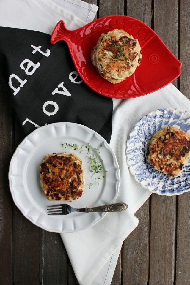 Hambúrgueres de salmão e curgete