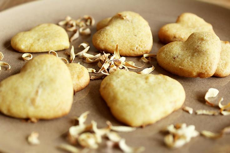 Colazione per tutti: Biscottini primaverili con miele e fiori darancio