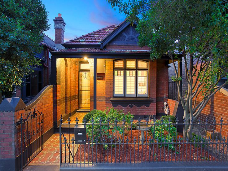 3 Bedroom Federation Home with the rising sun motif representing the dawn of a new century and the Federation of Australia in 1901