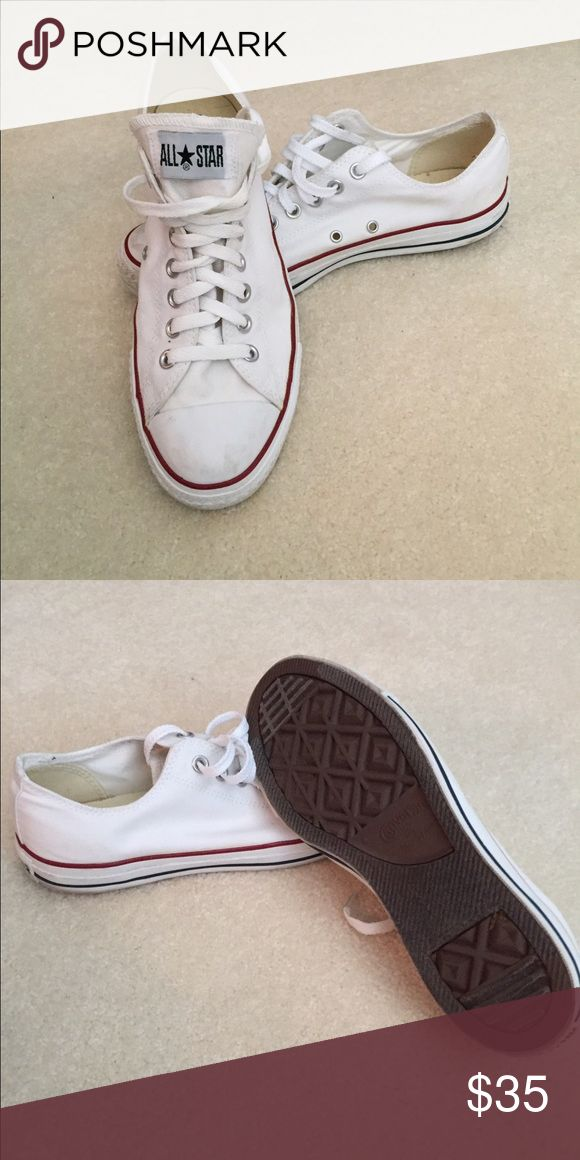 Men's converse low top Gently used. Good condition. Converse Shoes Sneakers