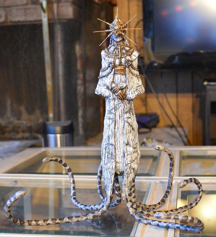 Dark Souls Gwyndolin Statue by futantshadow