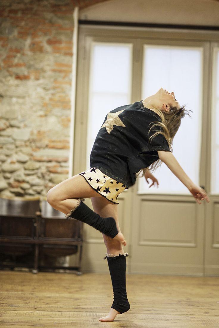 PEPITA NIGHT & DAY F/W 2014-15 - Fame Style: Maxi maglia in lurex con jacquard disegno stella http://shop.pepitastyle.com/brands/fame/coco-maxi-maglia.html#.VCU-DeegOOg - Parigina in raso con stampa flock fantasia stelle http://shop.pepitastyle.com/brands/fame/cleo-parigina.html#.VCU93-egOOg  #pepita #night&day #fallwinter #fashion #stylish #fame #lurex #danza #stars