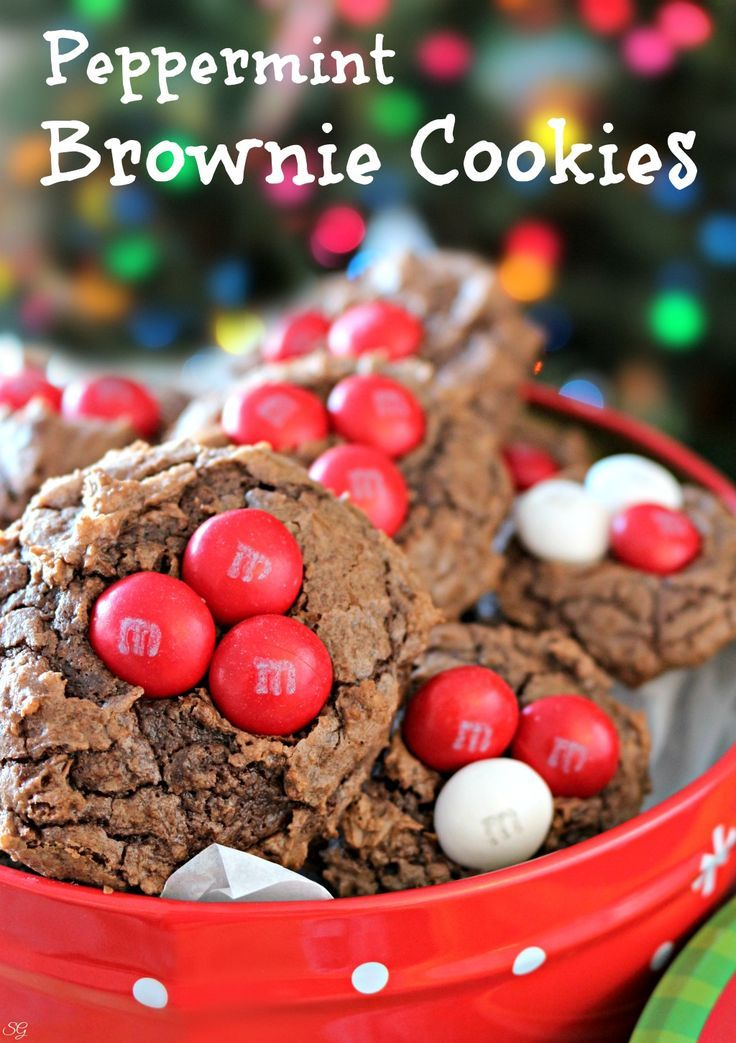Peppermint brownie cookies recipe! This EASY recipe uses box brownie mix to make delicious peppermint brownie cookies with M&M's:registered: White Peppermint candies! #SweetSquad #CookieSwappinGood