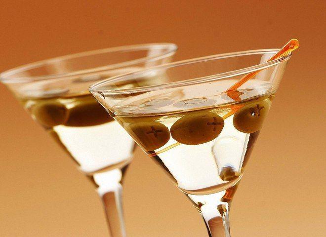 Как правильно пить мартини   Ссылка на рецепт - https://recase.org/kak-pravilno-pit-martini/  #Алкоголь #блюдо #кухня #пища #рецепты #кулинария #еда #блюда #food #cook