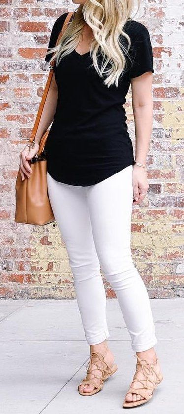 #outfits #fall #fashion Black Top // White Skinny Jeans // Sandals