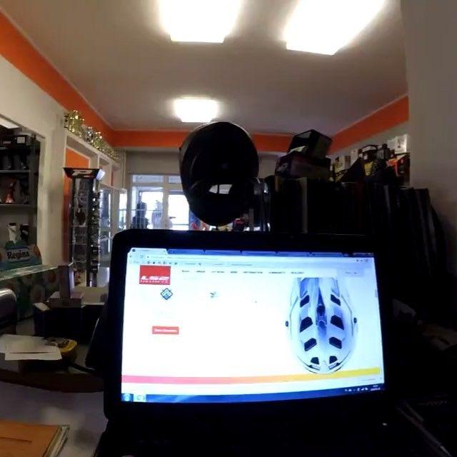 Unboxing ! Moj pierwszy raz . . #unboxing #helmet #ls2 #mx470 #new #happy #bodyfall #starwars #music #supermoto #poland #motard #motocross #mx #video #xiaomi #chest #omg #motorcycle