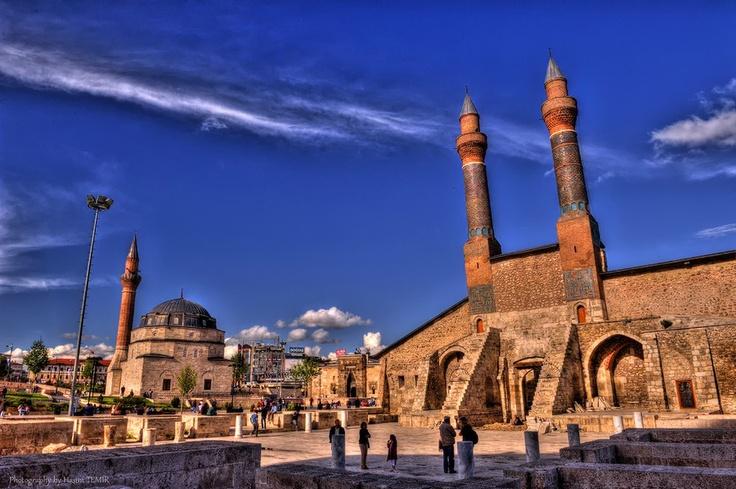 Sivas,Kale Camisi ve Buruciye Medresesi,Türkiye